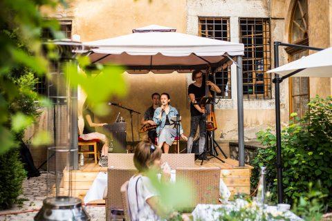 Live music in July in La Campana